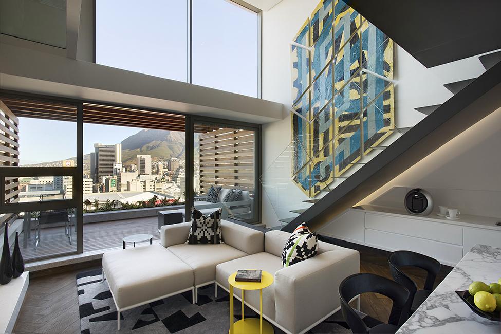 现代简约四居室客厅窗帘装修图片欣赏